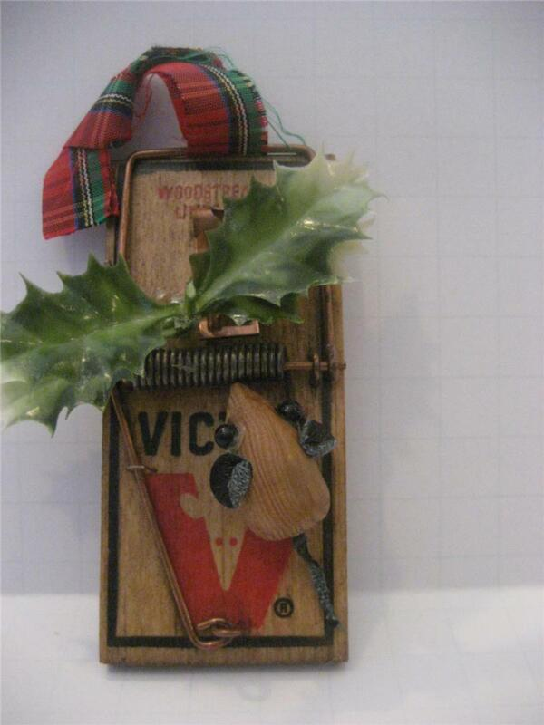 """Christmas Mouse Vintage Folk Art VICTOR 4"""" Rat Trap Woodstream Corp Leather Tail"""