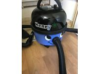 Henry hoover blue numatic
