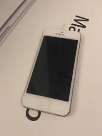 iPhone 5 16GB on o2