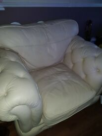FREE TO COLLECTOR Large cube leather armchair