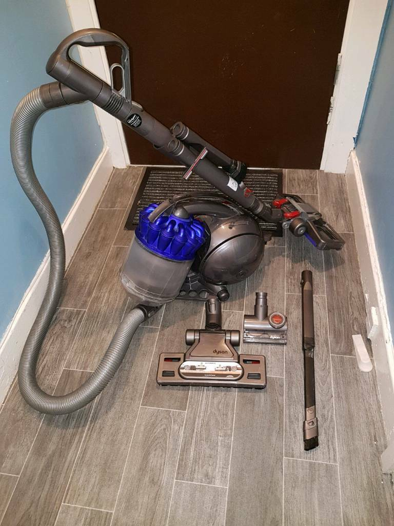 Dyson Dc28c vacuum cleaner with additional attachments