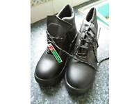 SAFETY BOOTS.....Brand new/unworn