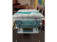 Chicco Cuddle and Bubble Baby Bath Changing Table - New