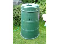 Compost bin with screw lid.