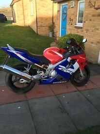 Cbr 600f for sale excellent condition selling due to wanting a new bike for the summer