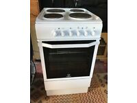 Indesit Electric Cooker I5ESHW in White