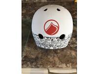 Wakebarding helmet
