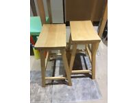 Tall small table and two stools
