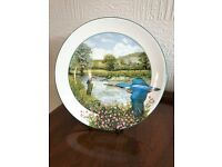 "Royal Doulton Plate 1989 ""The Riverside Kingfisher "" Boxed"