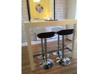 Stylish Breakfast Bar & stools