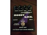 Guitars effects, cases: Gibson, Marshall, Morley, ProCo, Carl Martin, Line6, Voodoo Lab, Vox