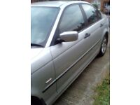 Bmw 318, V reg, MOT Sept. engine light on intermittently, excellent runner, Service History. Silver.