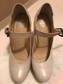 Valez leather shoes