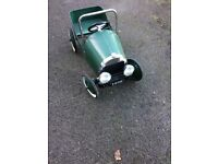 Childes peddle car for age 3 to 5 year old. Vintage metal peddle car very good condition