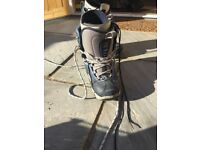 Snowboard boots us size 9