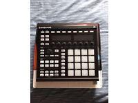 Native Instruments - Maschine MK2 Black