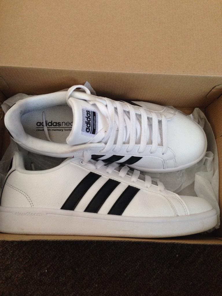 Woman's Adidas neo cloudfoam trainers
