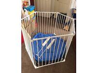 Lindam Safe and Secure Playpen / Room Divder