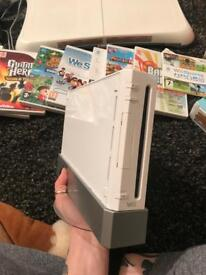 Original white Nintendo wii bundle - lots of amazing games and accessories!