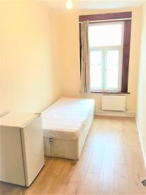 Room to rent in a house close to Dalston Kingsland Station, zone 2 - All bills and WI-FI included!!