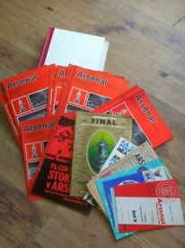ARSENAL FOOTBALL CLUB: COMPLETE COLLECTION OF HOME PROGRAMMES FOR 1971/72 SEASON PLUS EXTRAS.