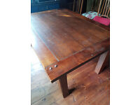 Dining /kitchen table can seat up to 10