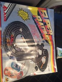 4 track skalextric used once or twice boxed great condition