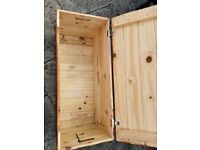 Solid wooden box suitable for toy box or toolbox or garden tools