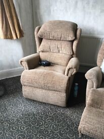Electric Rise Rectiner Chair