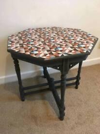 Chic Edwardian table