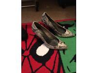 Ladies size 6 heels