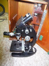 Microscope boxed