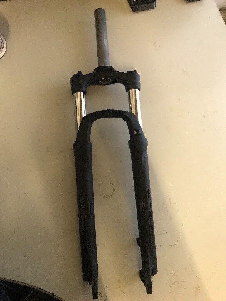 Sr suntour xct 27 5 mtb forks mountain bike Matt black 1 1/8 lockout   in  Hull, East Yorkshire   Gumtree