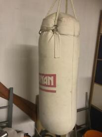 BRYAN Punch Bag with 3 pairs of BRYAN Gloves