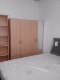 SERIOUSLY CLEAN SPACIOUS ROOMS AVAILABLE NOW
