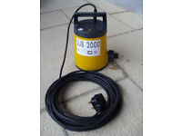 SIP SUB 2000 Submersible Water Pump + Optional 18m x 25mm Reinforced Hose