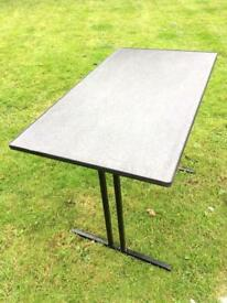 Camping table (foldable)