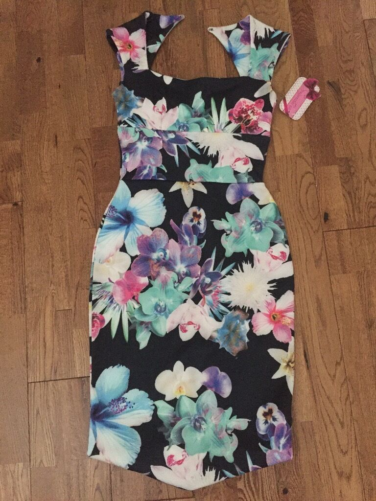 Bodycon flower dress size 8in Little Hulton, ManchesterGumtree - New bodycon dress , beautiful flower print , size 8 Look up my other adds