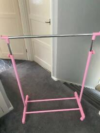 Hanging rail with cover