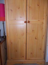 Wooden Wardrobe Excellent Condition H : 188 cm