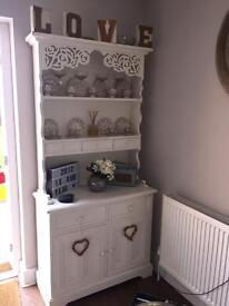White vintage shabby chic style dresser