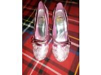 Glittery pink size 4 heels
