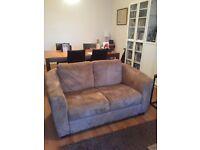 Beautiful 2 seats sofa - very good condition
