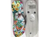 Vionic flip flops called Summer Flowers-uk 7 brand New collection nr7