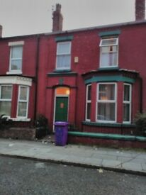 Spacious all girl 4 bed student house 1 double remaining 20 minute walk to University all inc rnt
