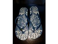 Brand new women slippers