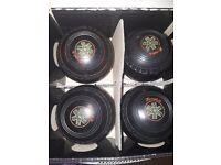 4 Henselite lawn bowls size 4