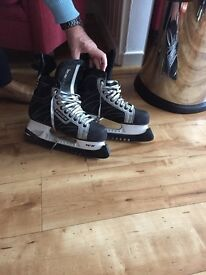 Men's ice skating boots