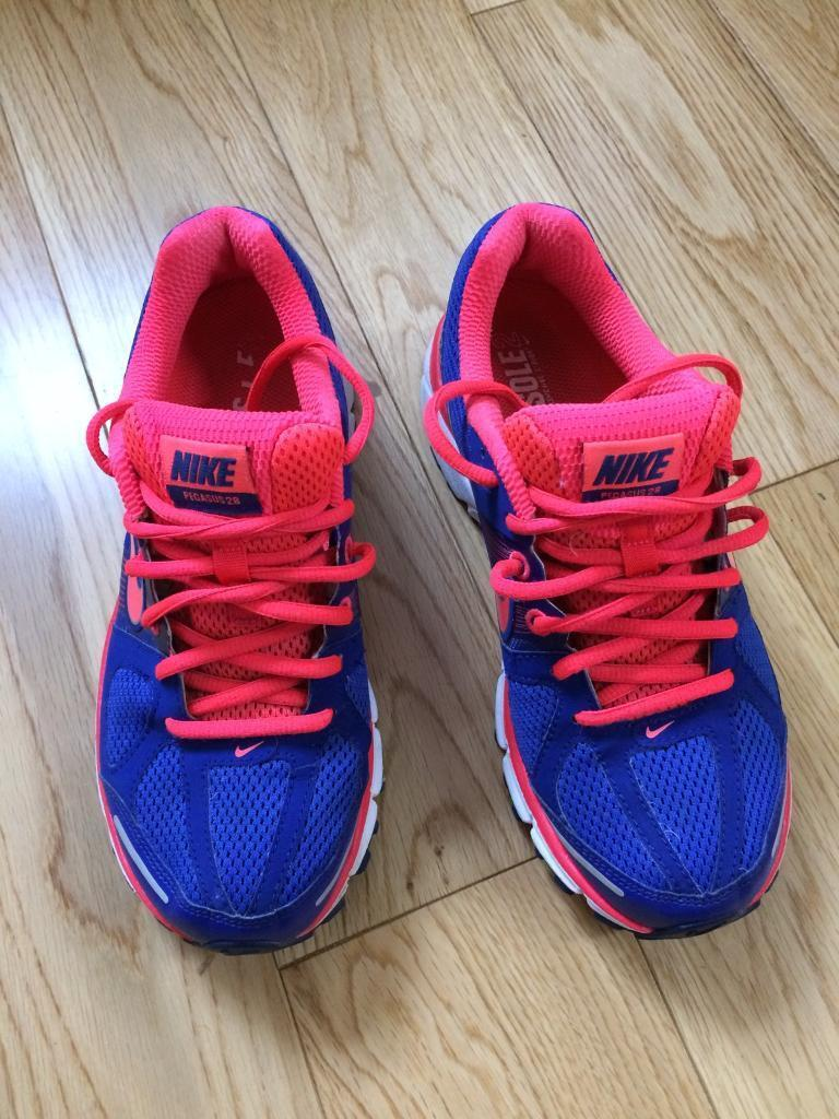 NIKE ladies trainers size 4.5