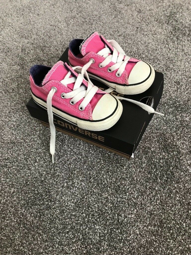 a14f08c8e4e5 Girls infant converse size 5